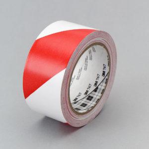 Красно-белая клейкая лента разметки пола 3М 767
